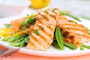 bigstock-grilled-salmon-with-spring-veg-29995154